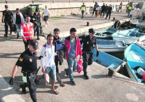 Resultado de imagen de salida de pateras con argelinos